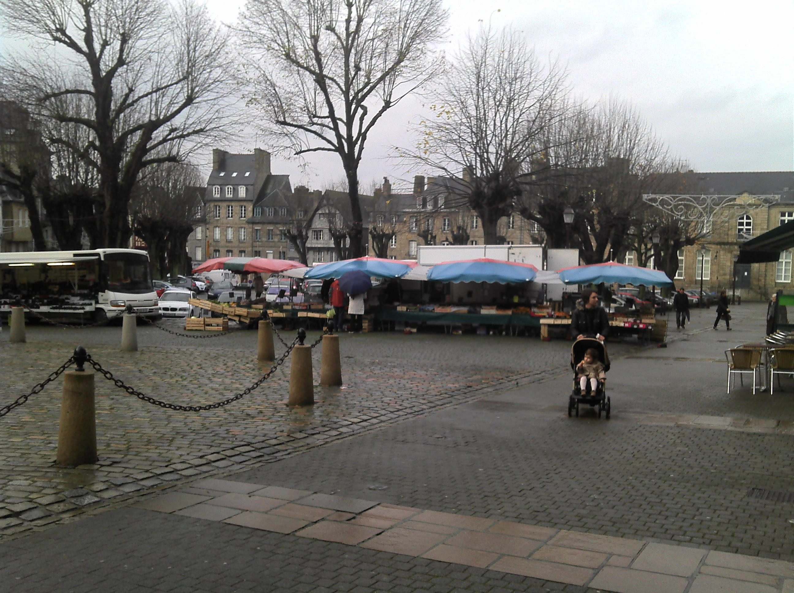 Guingamp central square