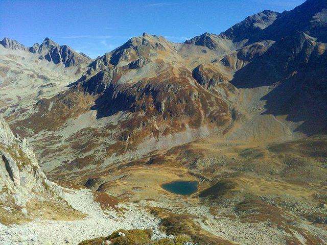 Lac Moretan inférieur. L'un des coins les plus sauvages que je connaisse. On se serait cru en Alaska. #montagnes #mountains #belledonne