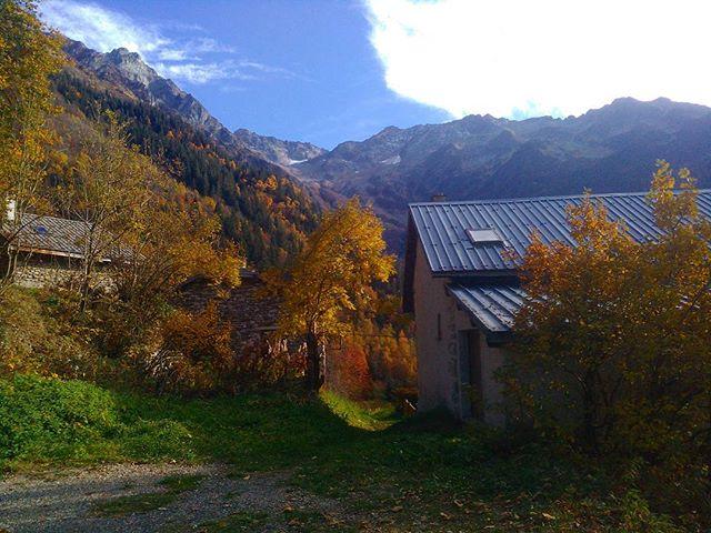 Couleurs d'automne sur #belledonne #montagnes #mountains #mountainlife