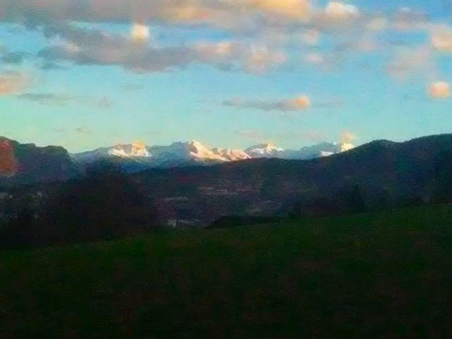 Coucher de soleil sur Belledonne. #mountainlife #mountains #montagnes #winter #hiver
